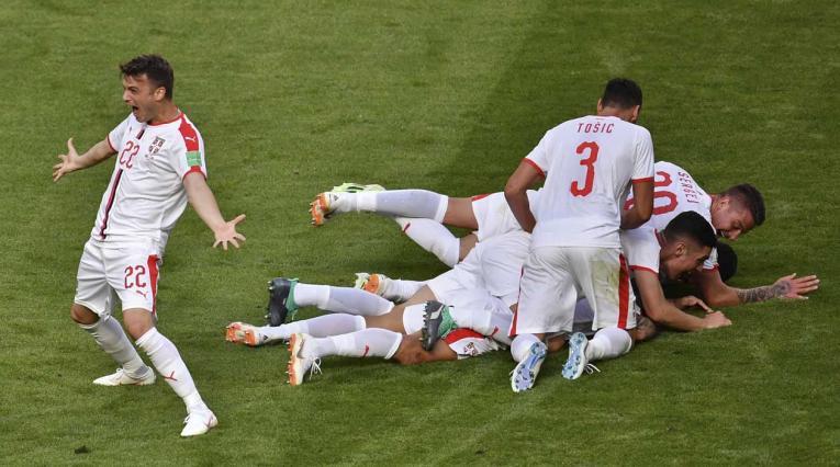 Serbia derrotó en su debut mundialista a Costa Rica