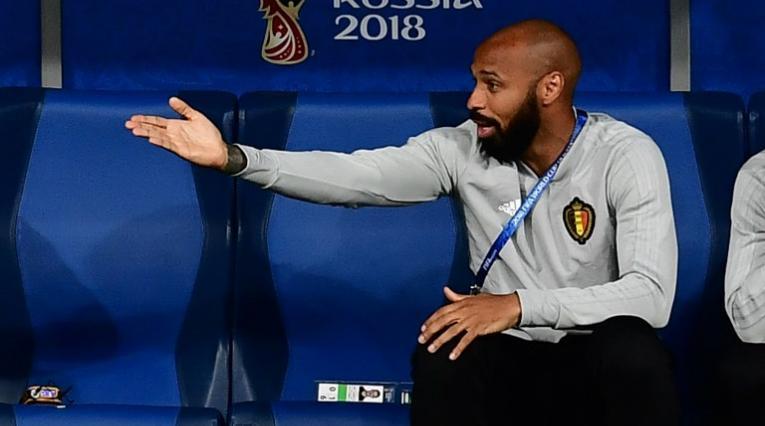Thiery Henry asistente técnico de Martínez en la selección del Bélgica en el juego ante Francia.
