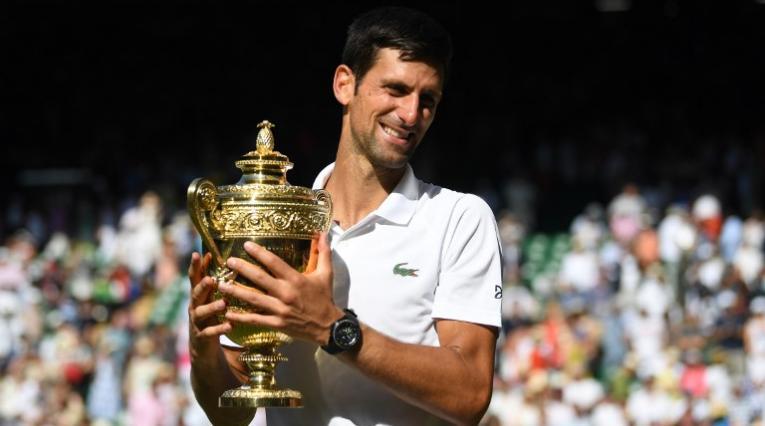 El serbio Novak Djokovic celebrando su título de Wimbledon
