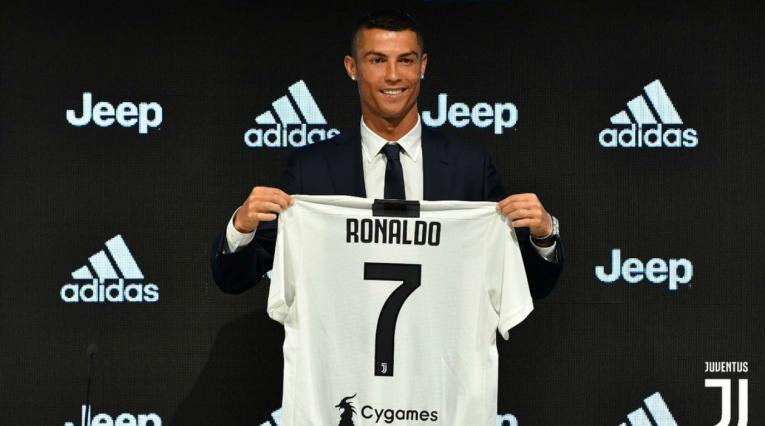 Cristiano Ronaldo en su presentación con la Juventus de Turín
