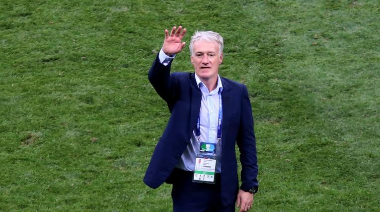 El técnico francés Didier Deschamps celebrando el título Mundial.