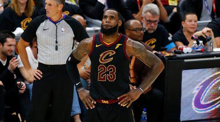 LeBron James es nuevo jugador de los Lakers