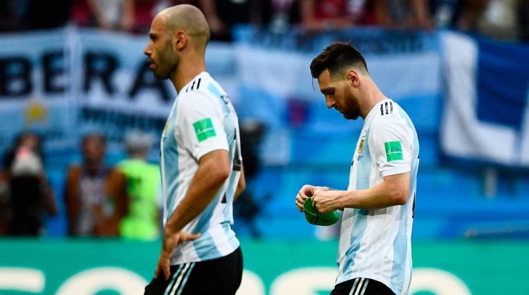 Lios Messi y Javier Mascherano en el último partido de Argentina en el Mundial Rusia 2018