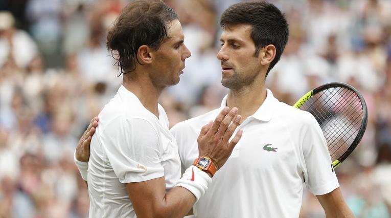 Rafael Nadal y Novak Djokovic en la final de Wimbledon 2018