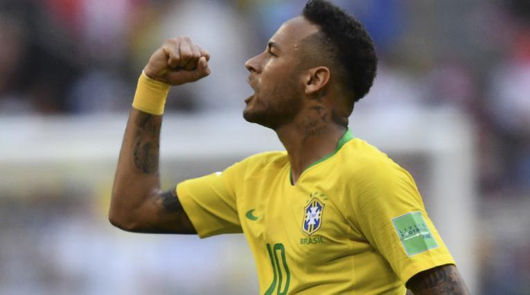 Neymar celebrando un gol con Brasil