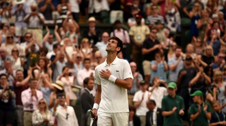 Novak Djokovic tras vencer a Rafael Nadal en Wimbledon