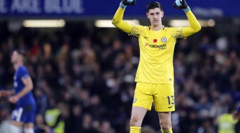 Thibaut Courtois espera la llegada de su sustituto en Chelsea