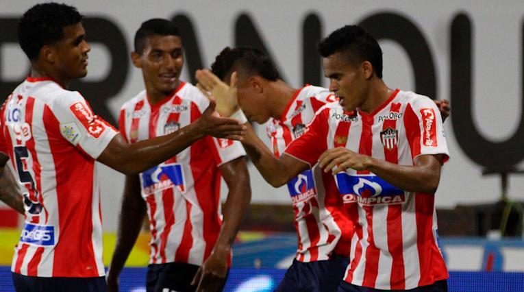 Junior celebra con Luis Díaz uno de los goles frente al Atlético Huila
