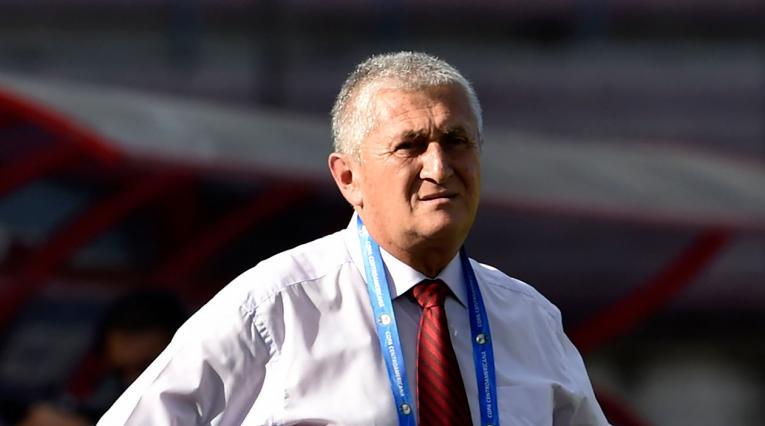 Eduardo Lara como técnico de la selección de El Salvador