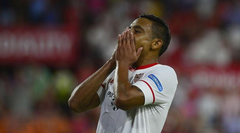 Luis Fernando Muriel marcó el tercer gol de Sevilla ante Újpest