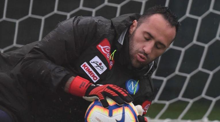 David Ospina en su primer entrenamiento con el Napoli