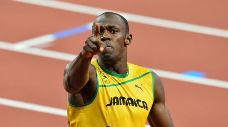 Usain Bolt hoy en día se dedica el fútbol.