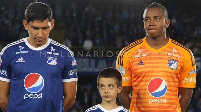 Roberto Ovelar y Wuilker Faríñez, jugadores de Millonarios