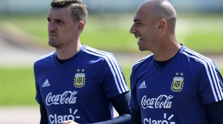 Franco Armani y Wilfredo Caballero, arqueros de la Selección Argentina