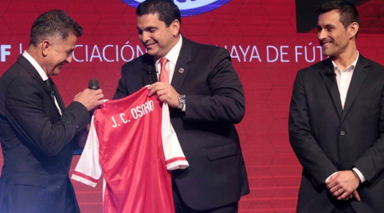 Juan Carlos Osorio, técnico colombiano que dirigirá a Paraguay
