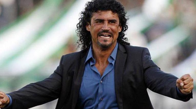 Leonel Álvarez, técnico colombiano que suena para Atlético Nacional