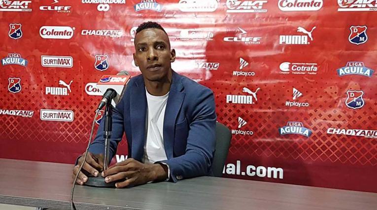 Luis Amaranto Perea, técnico de Leones, en su primera partido desde el banco en la Liga Águila