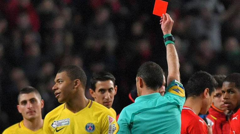 Kylian Mbappé recibe sanción de tres fechas por la falta cometida a jugador del Nimes