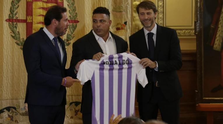 Ronaldo Nazario, presentado como máximo accionista del Real Valladolid