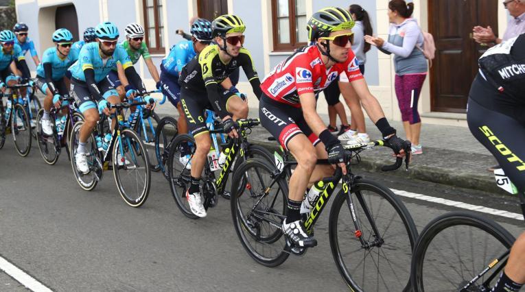 Simon Yates, líder de la Vuelta a España