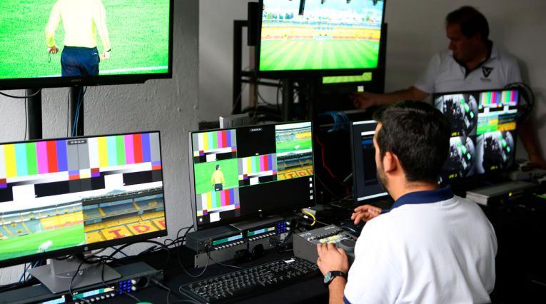 UEFA sigue los pasos de Conmebol