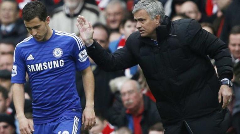 Eden Hazard y José Mourinho en Chelsea FC