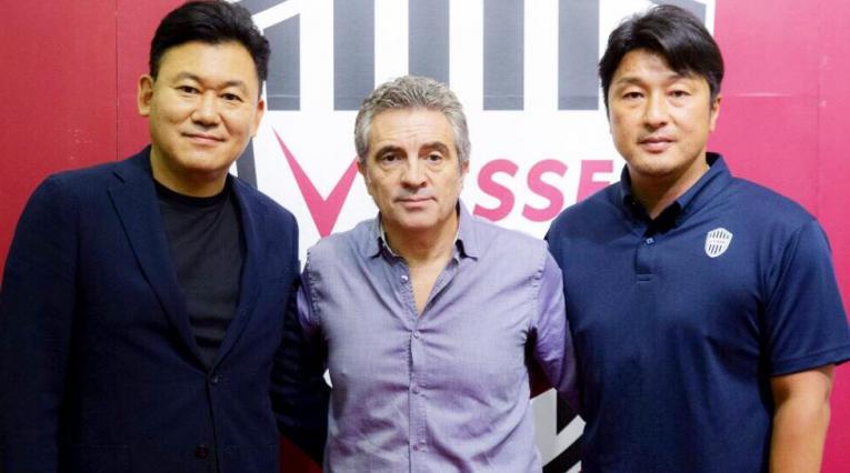 Juan Manuel Lillo, técnico del Visel Kobe donde también actúa Andrés Iniesta