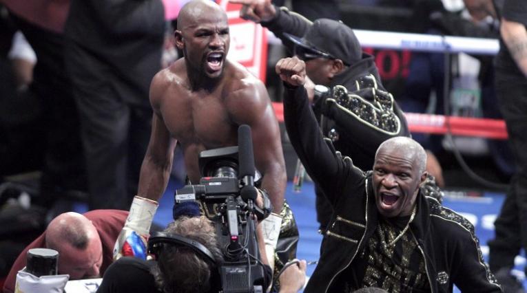 Floyd Mayweather aún no ha dado respuesta si pelea ante Khabib Nurmagomedov en UFC