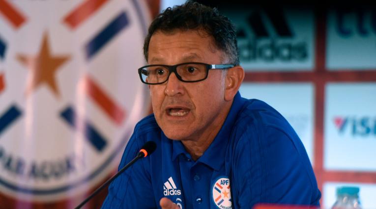 Juan Carlos Osorio debió capotear las insistentes preguntas de la prensa paraguaya