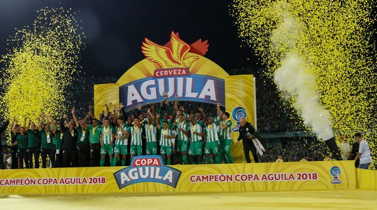 Nacional celebrando el título de la Copa Águila 2018
