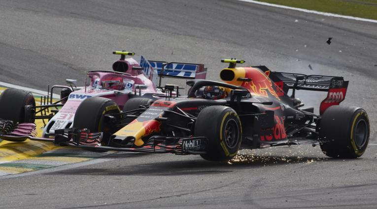 Max Verstappen y Esteban Ocon chocaron en el GP de Brasil