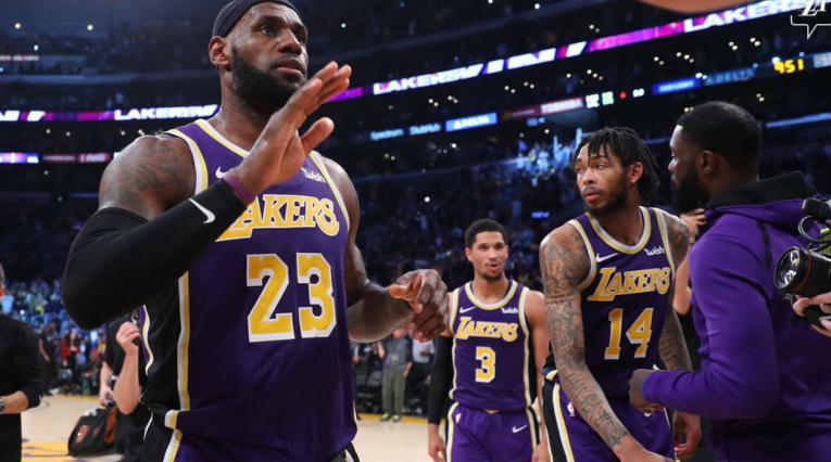 LeBron James, basquetbolista de los Lakers
