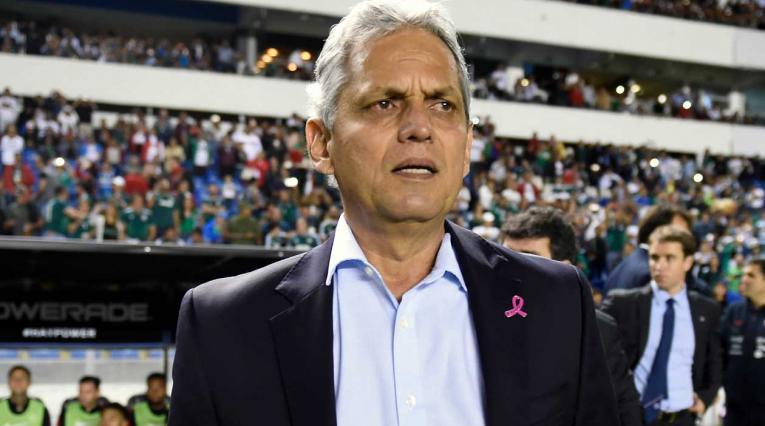 Reinaldo Rueda, técnico de la selección chilena, en duda para seguir el próximo año