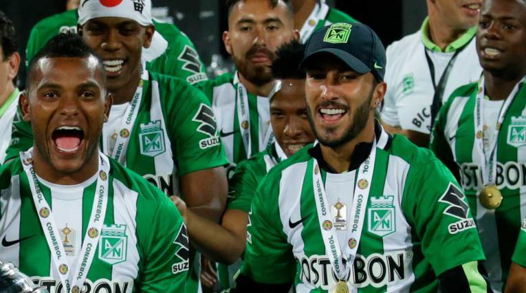 Atlético Nacional y Sebastián Pérez celebrando el título de la Copa Libertadores 2016