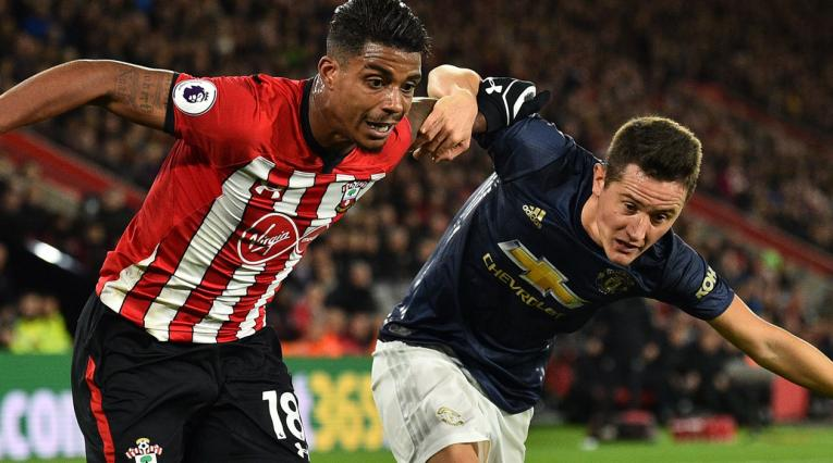 Manchester United volvió a sufrir para sumar en la Premier League