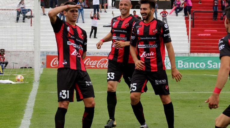 Facundo Barceló, delantero de Patronato