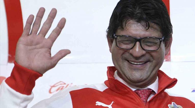 José Saturnino Cardozo, técnico de las Chivas de Guadalajara