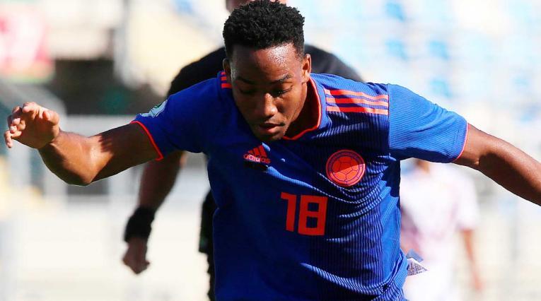 Hayen Palacios, jugador de la Selección Colombia en el partido ante Venezuela