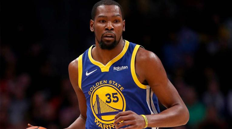 Kevin Durant aportó 27 puntos en la victoria de Golden State ante Nuggets