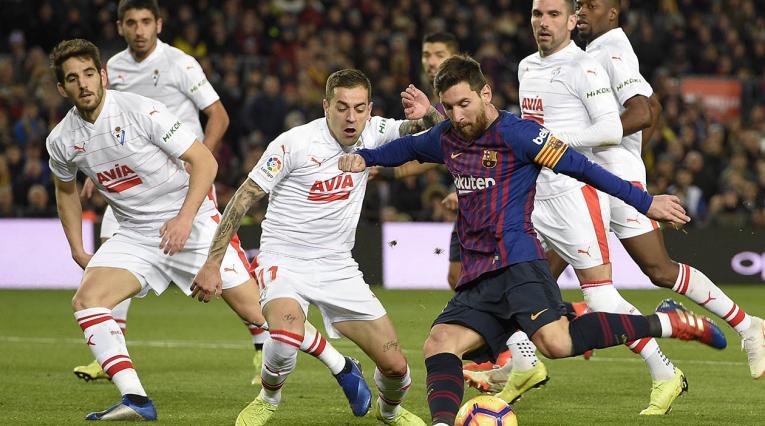 Lionel Messi jugando con el Barcelona