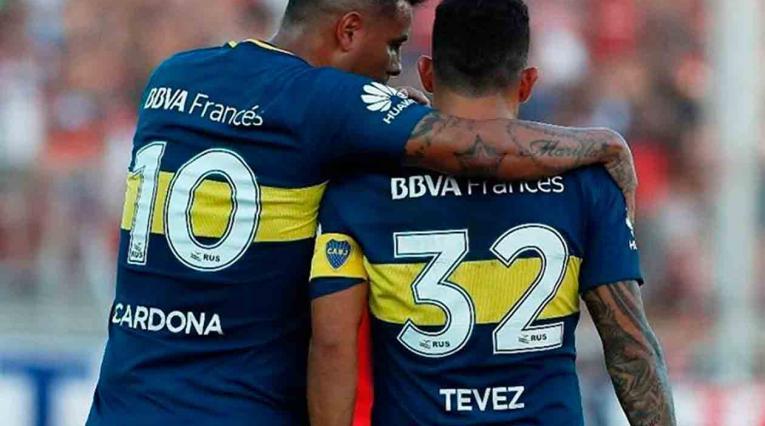 Edwin Cardona y Carlos Tévez
