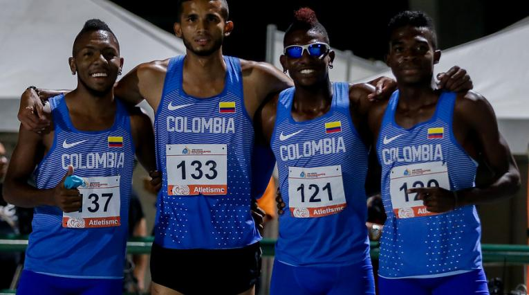 Equipo colombiano de la posta 4x100 - Bolivarianos 2017