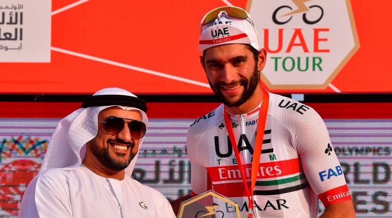 Fernando Gaviria luego de ganar la segunda etapa en el Tour de los Emiratos Árabes
