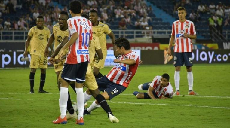 Matías Fernández, Junior vs Águilas
