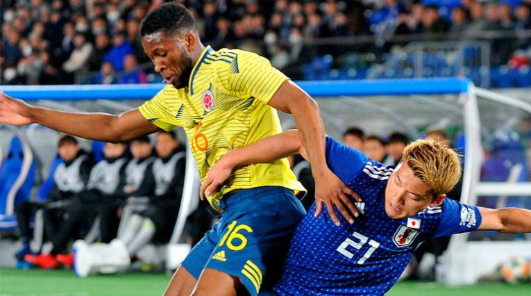 Colombia tuvo problemas para controlar a Japón en el primer tiempo.