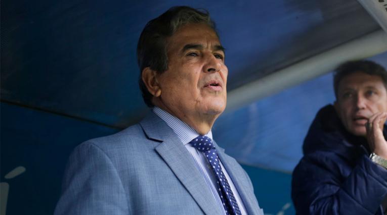 Jorge Luis Pinto en la previa del partido de Millonarios ante Atlético Nacional.