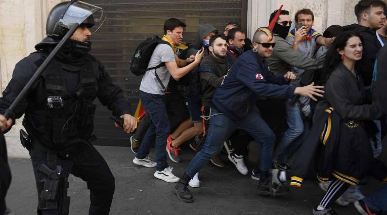 Pelea en Barcelona entre hinchas del Lyon y el Barça