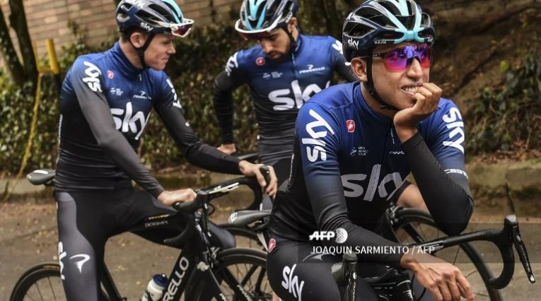 Egan Bernal, Chris Froome y Castroviejo - Sky Team