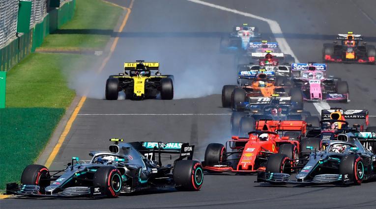 Valtteri Bottas en el inicio del Gran Premio de Australia 2019