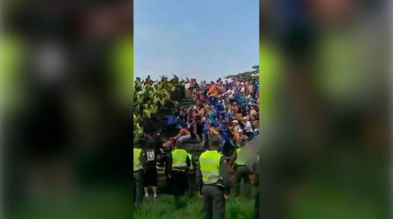 Gresca entre hinchas de Millonarios y policía